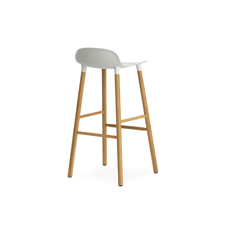 Normann copenhagen form barhocker 75cm gestell eiche for Barhocker design kunststoff